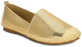Get Glamr Women Gold Casual Shoes