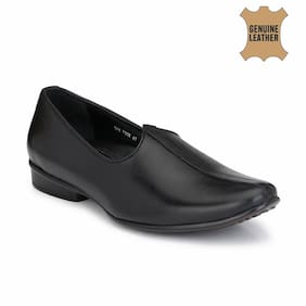 Hitz Black Leather Ethnic Jutti for Men