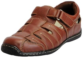 43d3bc29f4028b Hush Puppies Men s Premium Leather Brown Floaters and Sandals