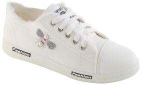 Enso Women's White Canvas Shoes