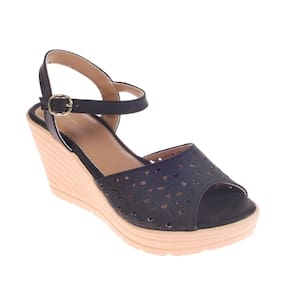 Khadim's Black Wedges