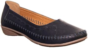 Khadim's Women Blue Bellie