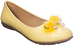 Khadim's Women Yellow Bellie