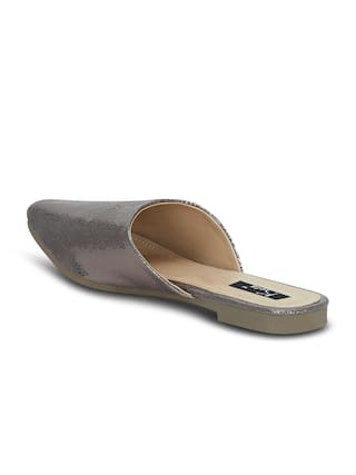 Kielz Women Grey Sandals