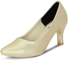 Kielz Women Cream Pumps