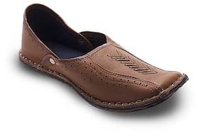 44a5e8ef3e1 Ethnic Footwear for Men – Buy Men s Ethnic Shoes