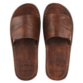 DRUNKEN Men Maroon Outdoor Slippers