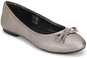 Mode by Red Tape Women Grey Bellies