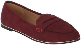 Red Tape Women Burgandy Loafer