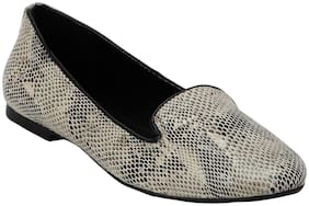Mode by Red Tape Women White Bellie