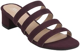 Mode by Red Tape Women Maroon Pumps