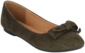 Mode by Red Tape Women Olive Bellie