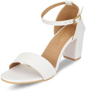MONAQI Women White Heeled Sandals