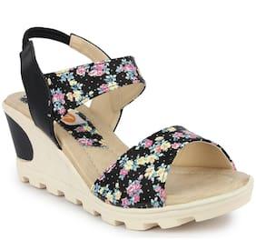 MONAQI Women Black Heeled Sandals