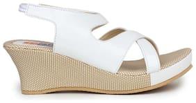 MONAQI Women White Sandals