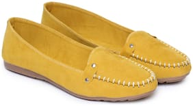 Moonwalk Women Yellow Bellies
