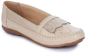 Naisha Women Beige Bellie