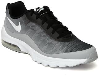 best authentic 5612c 98eda Nike Men's Zoom Winflo 4 Black Running Shoes for Men - Buy ...
