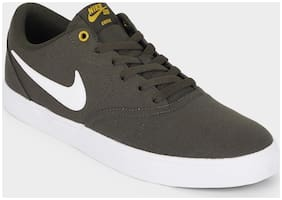 Nike Men Grey Casual Shoes