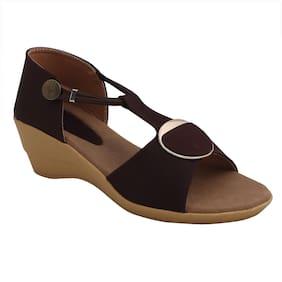 PATTICE Women Brown Sandals
