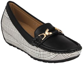 Pelle Albero Womens Black Comfortable Loafer