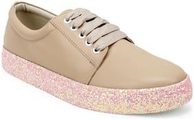 Scentra Women Beige Sneakers