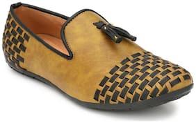 Prolific Men Beige Loafers