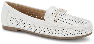 Ceriz Women White Loafers