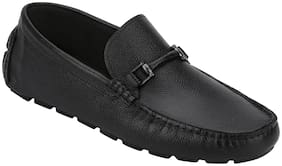 Red Tape Men Black Loafer