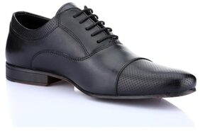 Red Tape Men Black Formal Shoes - Rts9651