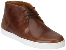 Red Tape Men's Tan Chukka Boots
