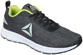 Reebok Men DISTANCE STRIKE Running Shoes ( Black )