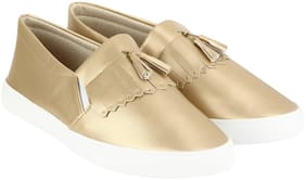 REFORCE Women Gold Casual Shoes