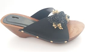 RFP Women Black Wedges