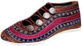 RYAG Women Casual Shoes in Ethnic/Traditional Look