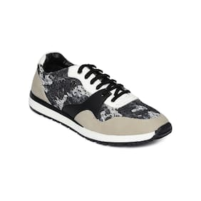 Scentra Men White Casual Shoes