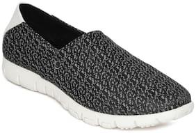 Scentra Men Grey Sneakers
