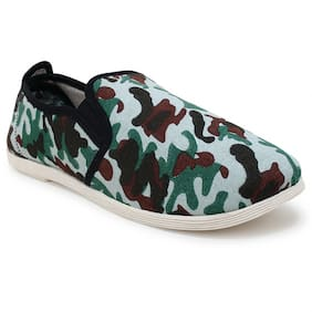 Scentra Men Green Casual Shoes
