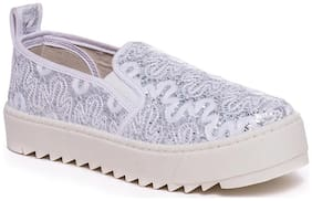 Scentra Women White Casual Shoes