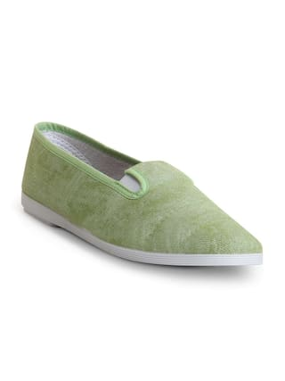 Scentra Women Green Casual Shoes