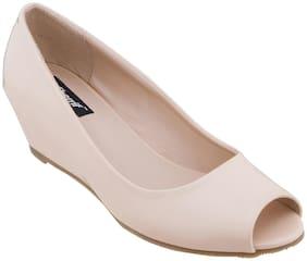 Sherrif Women'S Beige Wedge Heel Pumps