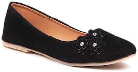 Sindhi Footwear Women Black Bellie