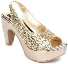 Sindhi Footwear Women Gold Sandals