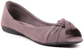 Sindhi Footwear Women Grey Bellie