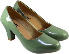Skoll Women Green Pumps