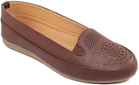 Skoll Women Brown Bellie