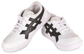 Stepfit Men White Basics Sneakers