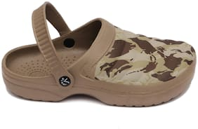 SVAAR Men Khaki Clogs
