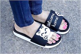 T R Women Black Open Toe Flats