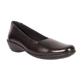 Trilokani Black Formal Shoes